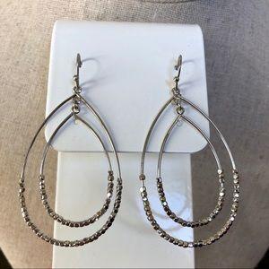 Jewelry - Boutique Teardrop Silver Earrings